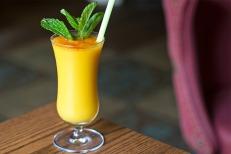 pub-royale-mango-lassi